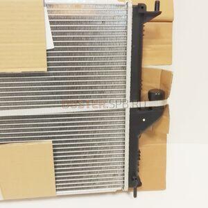 Радиатор охлаждения 1,6; 2,0 с кондиционером #2
