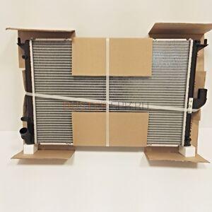 Радиатор охлаждения 1,6; 2,0 с кондиционером Nissens (Дания), аналог 8200735039, для Рено Дастер