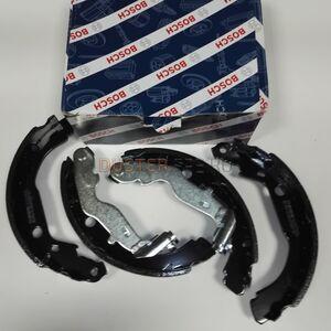 Колодки тормозные задние , комплект 4x4 Bosch (Германия), аналог 440607493R, для Рено Дастер